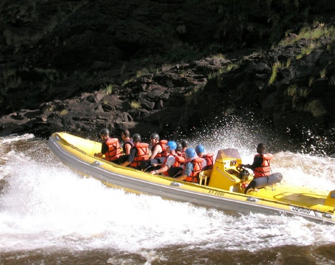 activity-rapids-rafting-extrem (1)
