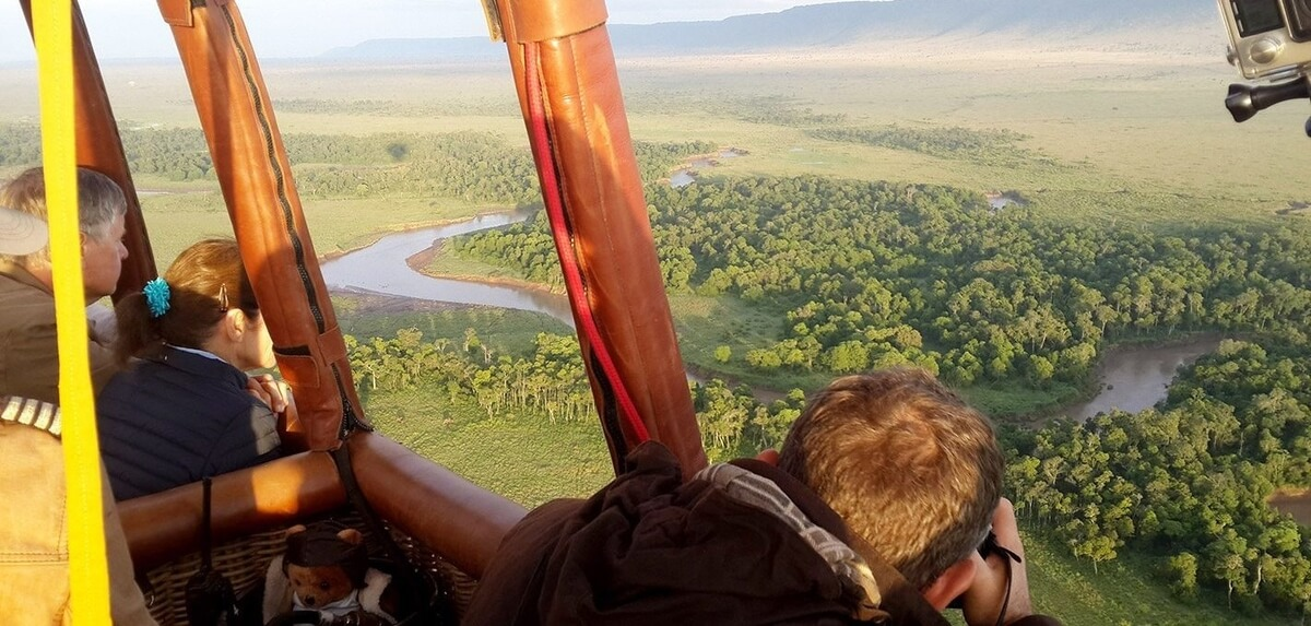 kenya_hot-air-balloon-masai